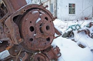 En gammel maskin tæret av rust. Hvor lang tid tar det før alt er borte?
